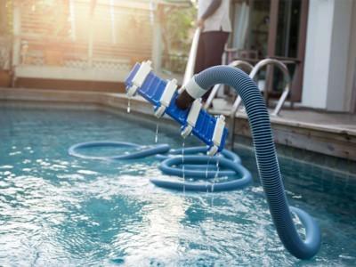 Чистка бассейнов